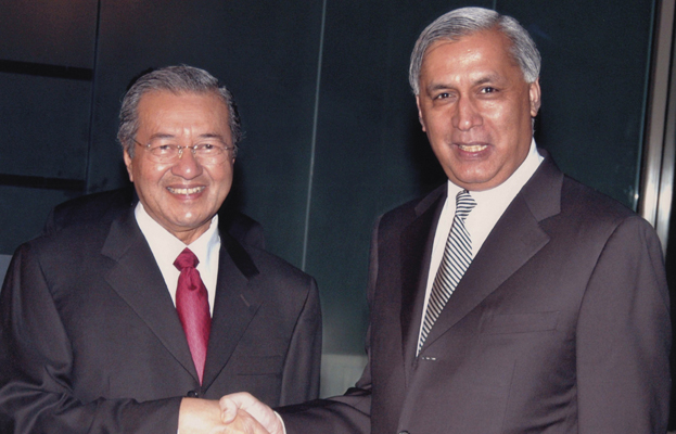 Shaukat Aziz with Mahathir Mohamad